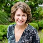 Meet Jennifer McQuiston: CDC Scientist-turned NYT-Bestselling Historical Romance Author